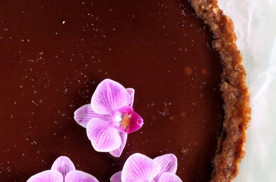 Mazurek czekoladowo orzechowy bez pieczenia (wegański)