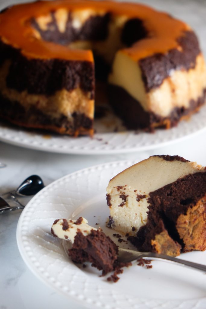 Magiczne ciasto czekoaldowe z pieczonym budyniem