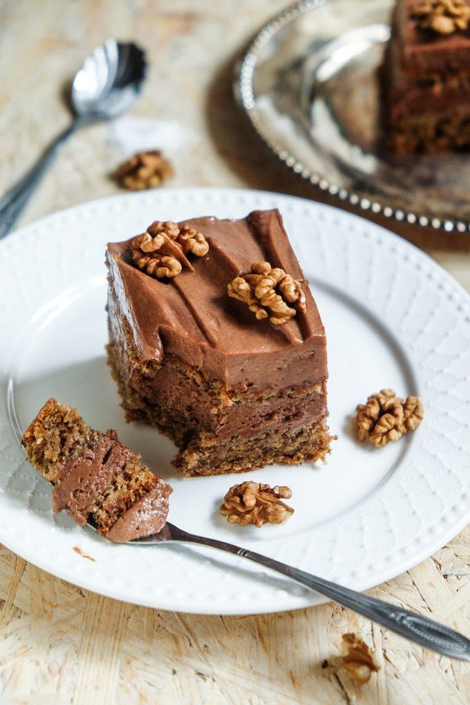 bezglutenowy tort orzechowy z kremem czekoladowym