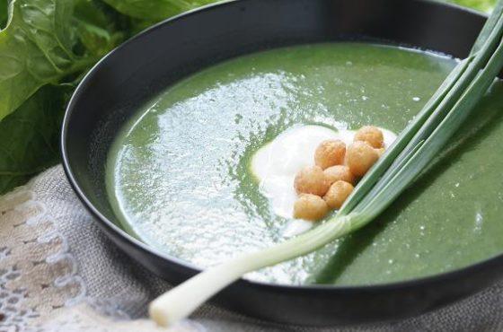 Zupa z sałaty i szpinaku