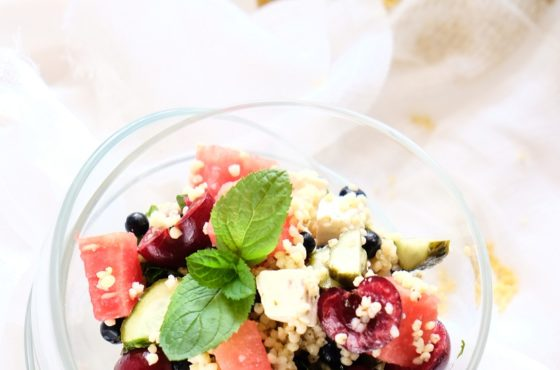Sałatka z kaszą jaglaną, arbuzem i fetą