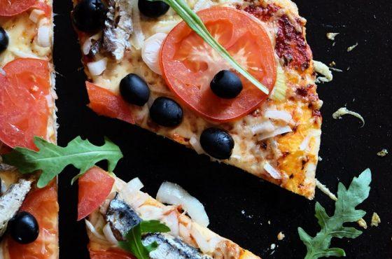 Pizza z sardynkami