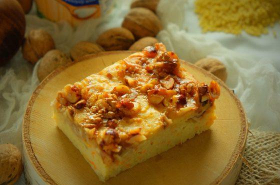 Jesienne ciasto jaglane z karmelizowanymi orzechami