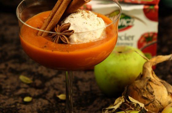 Zupa warzywno-pomidorowa z lodami śmietankowo-cynamonowymi