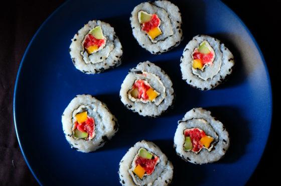 Sushi z wołowiną i kozim serkiem