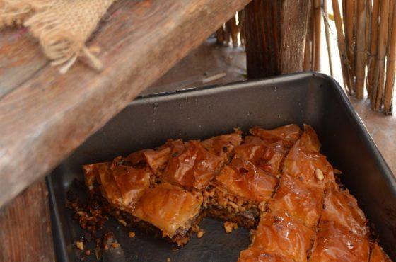 Baklava z suszonymi śliwkami i miodem pitnym