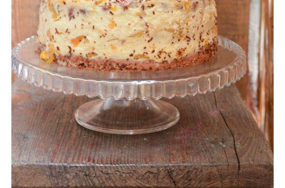 Tort bakaliowy z kremem brzoskwiniowym