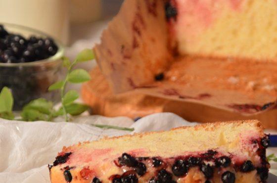Ciasto cytrynowe z jagodami
