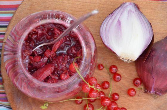 Konfitura z cebuli i czerwonej porzeczki