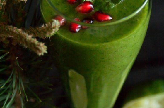 Zielony koktajl z syropem z pędów sosny