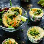 Śniadaniowe muffiny z łososiem i cukinią